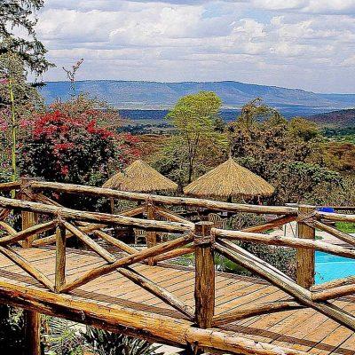 Mara Sopa Lodge footbridge over swimming pool